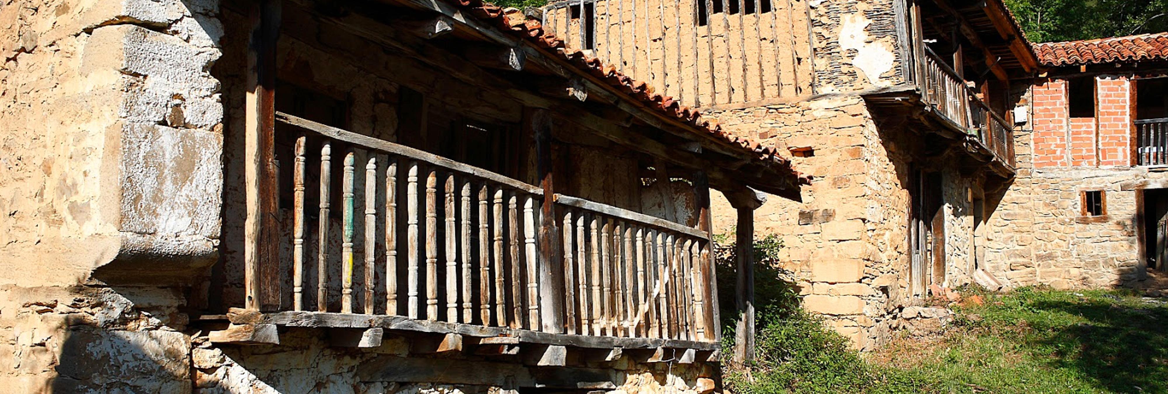 Porcieda: el pueblo fantasma cántabro que puedes comprar por 1,5 millones de euros