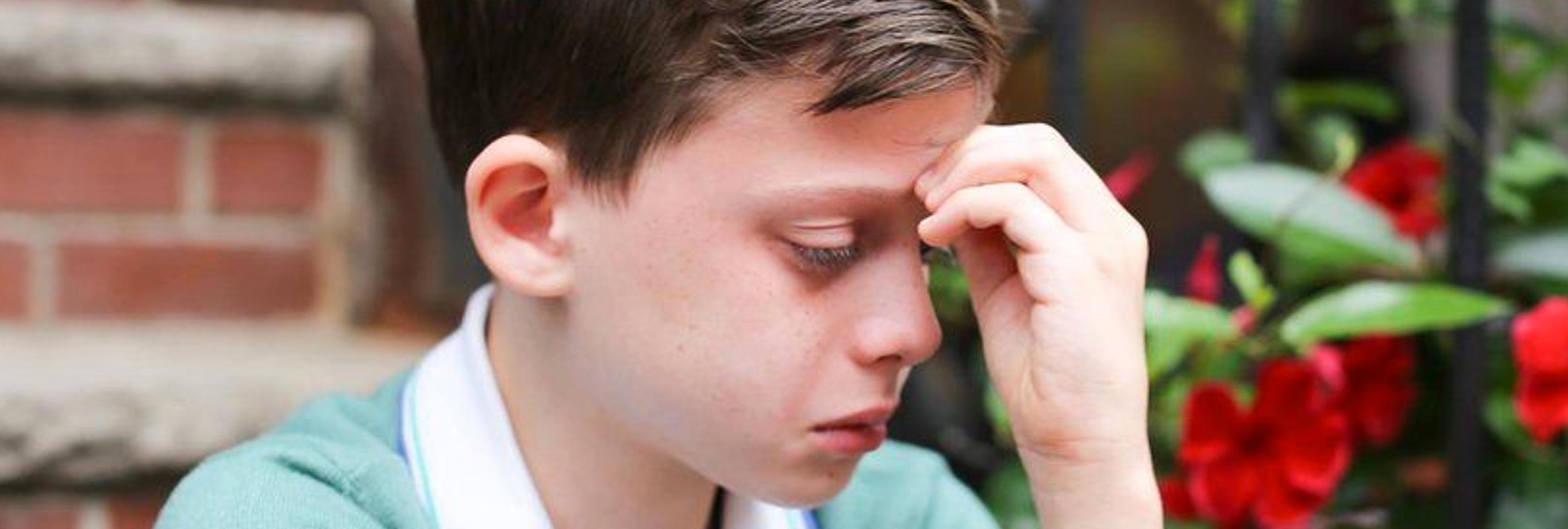 La imagen del niño que tenía miedo de ser gay conmueve a medio mundo