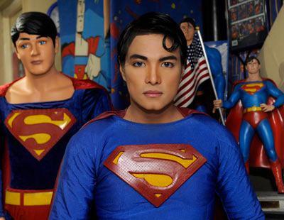 Herbert Chávez quiere ser más Superman, pero los médicos se niegan a seguir operándolo
