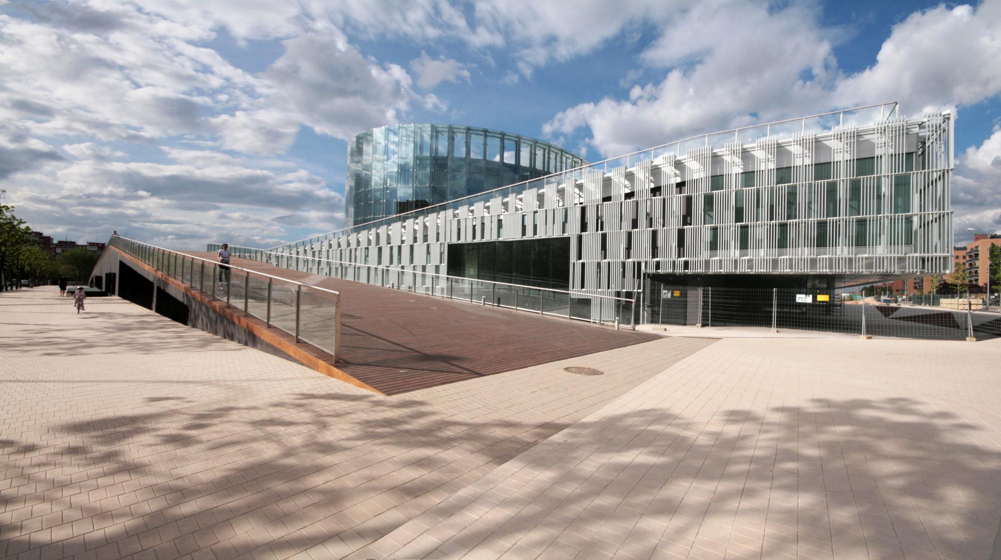 Los más de 100 millones de euros de inversión en el centro han sido, de momento, inútiles