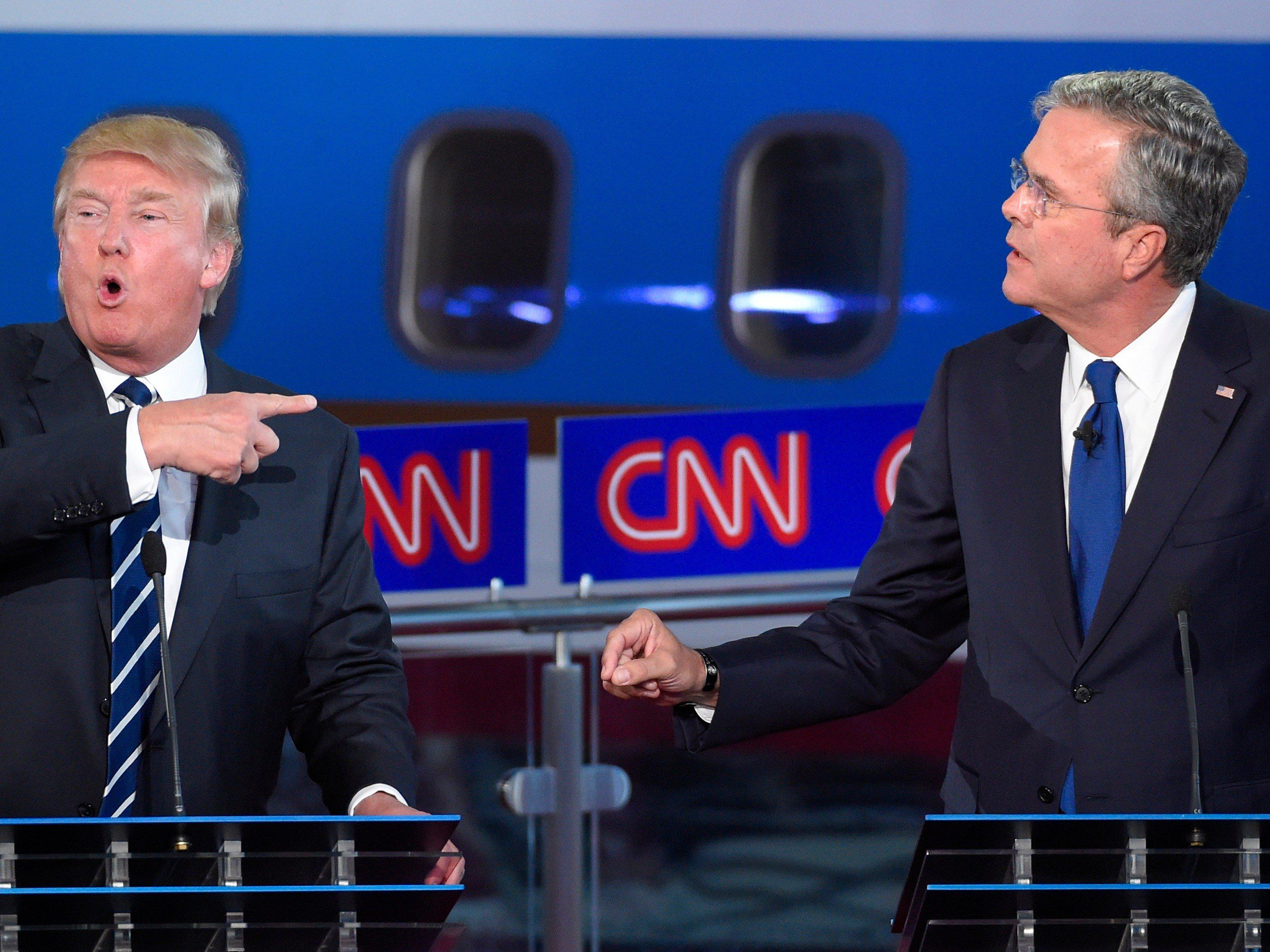 Trump ataca a Bush tras su confesión