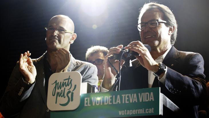 Artur Mas anocheante su electorado