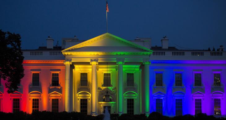 La Casa Blanca, iluminada con la bandera gay tras la aprobación del matrimonio homosexual