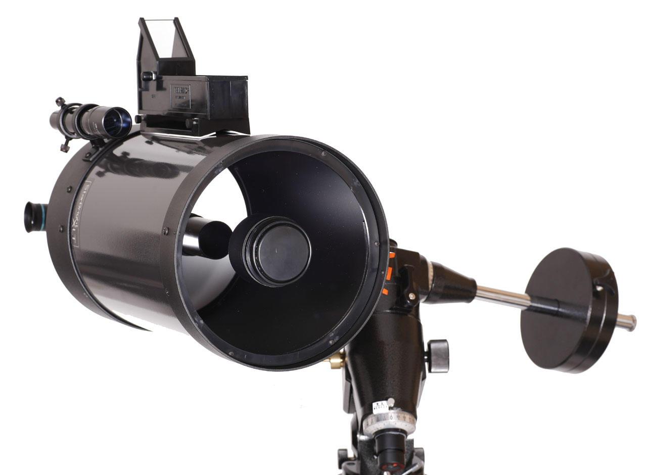 Telescopio Schmidt-Cassegrain con el que se descubrió el cometa