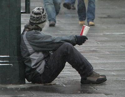 Mendigos de Praga ofrecen Wi-Fi gratis por donaciones