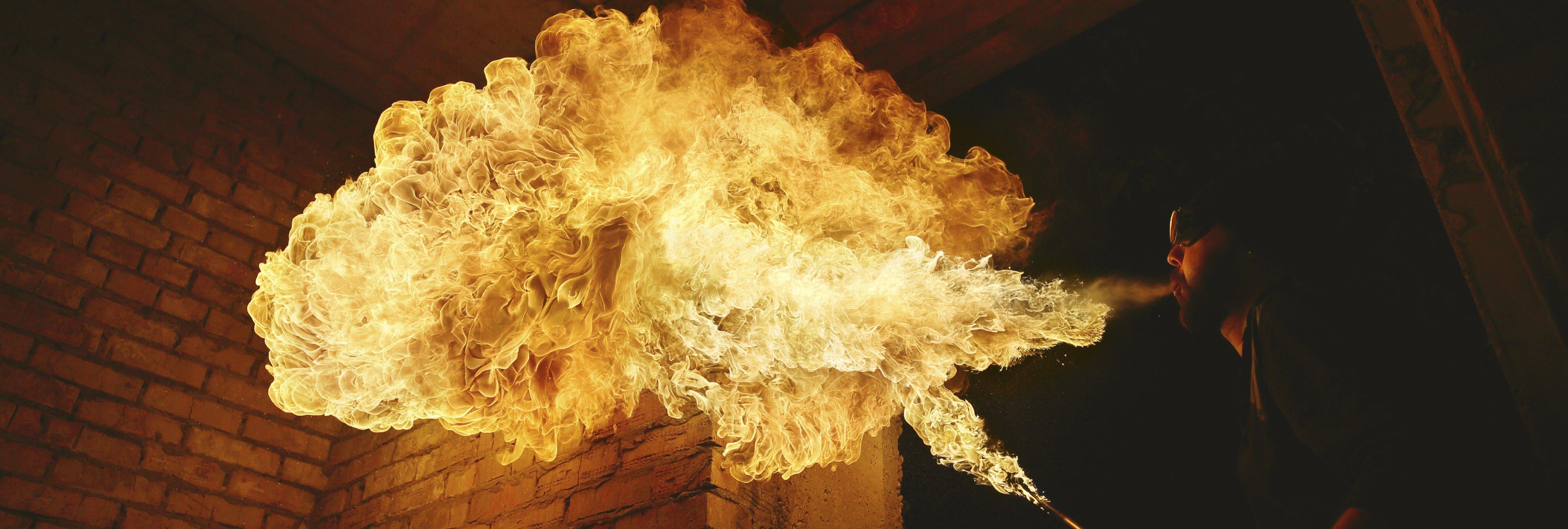 Mujer muere quemada 'alimentando las llamas' de la combustión espontánea humana