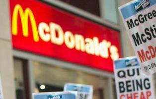 """Cierra un McDonald\'s tras \""""aparecer\"""" una cabeza de rata en una hamburguesa"""
