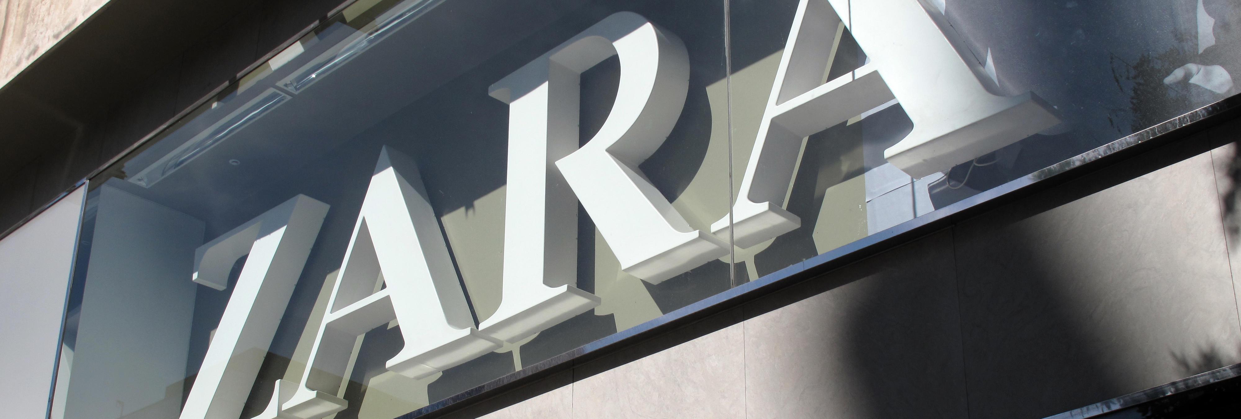 Indignados con Zara por prohibir la entrada a una mujer con velo en París