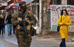 """Bruselas, en alerta terrorista máxima: \""""hay policía y ejército por las calles\"""""""
