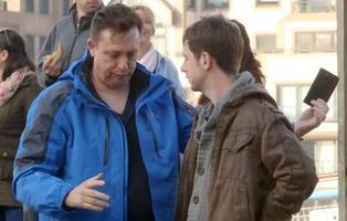 Un carterista enseña cómo robar casi 3.000 € en 4 horas