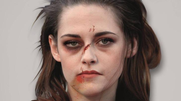 Kristen Stewart, golpeada (Facebook: Alexsandro Palombo)