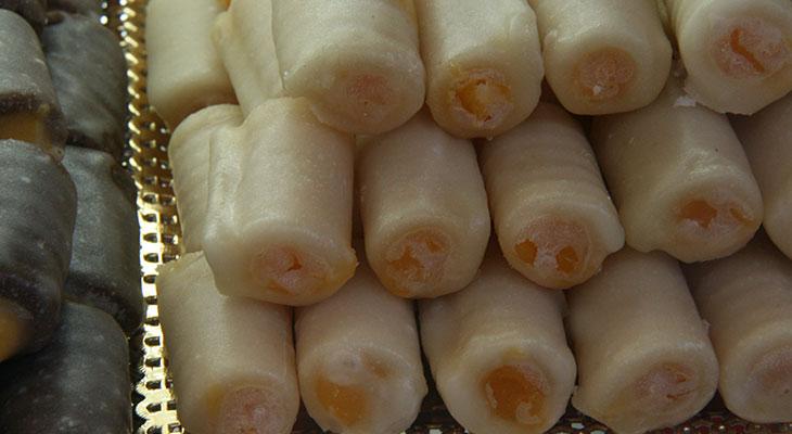 Los huesos de santo se comen en toda España