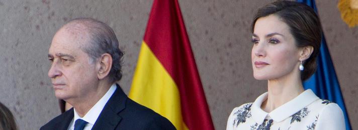 Jorge Fernández Díaz junto a Letizia Ortiz