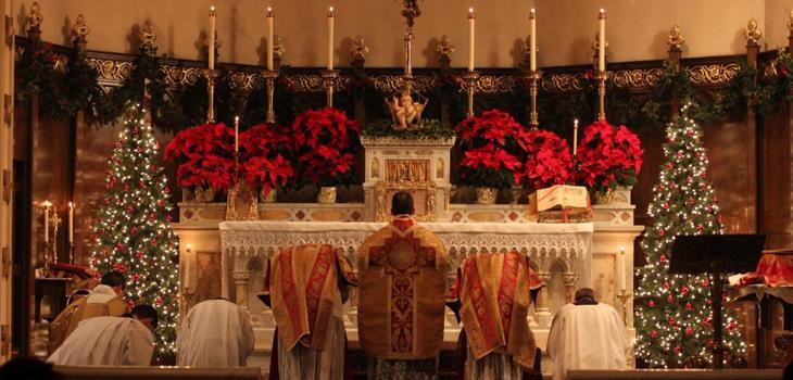 En Nochebuena la cena se celebra justo después de la Misa del Gallo