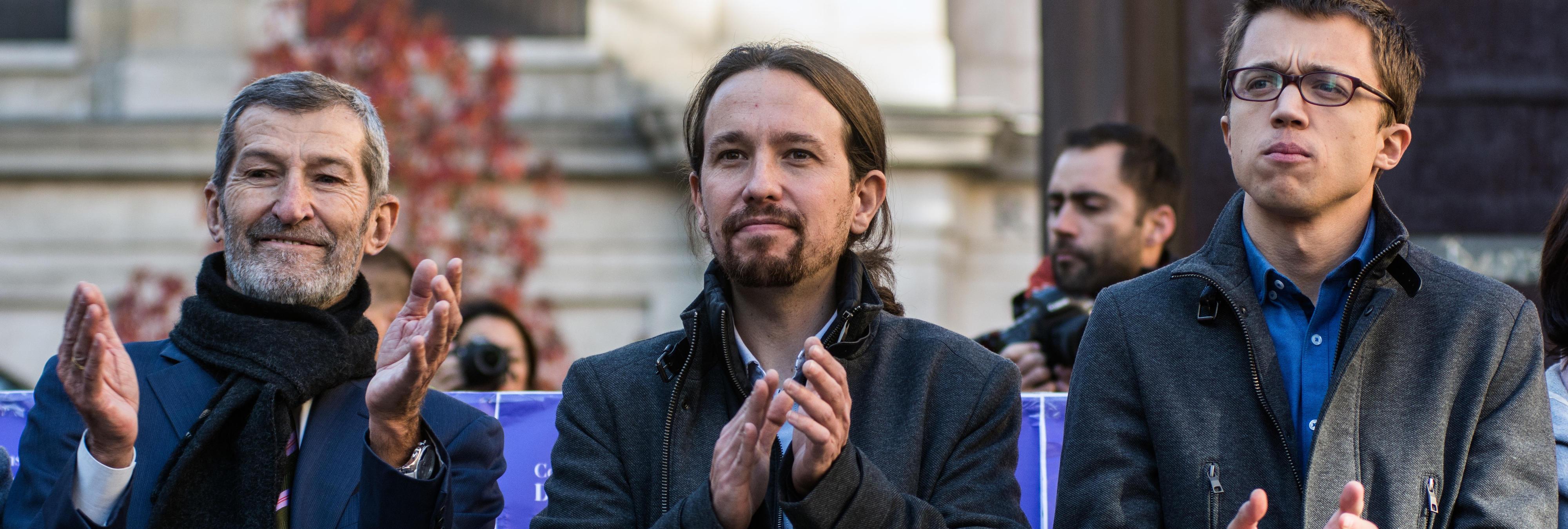 El PP busca el voto hipster y motero, y Podemos, el friki