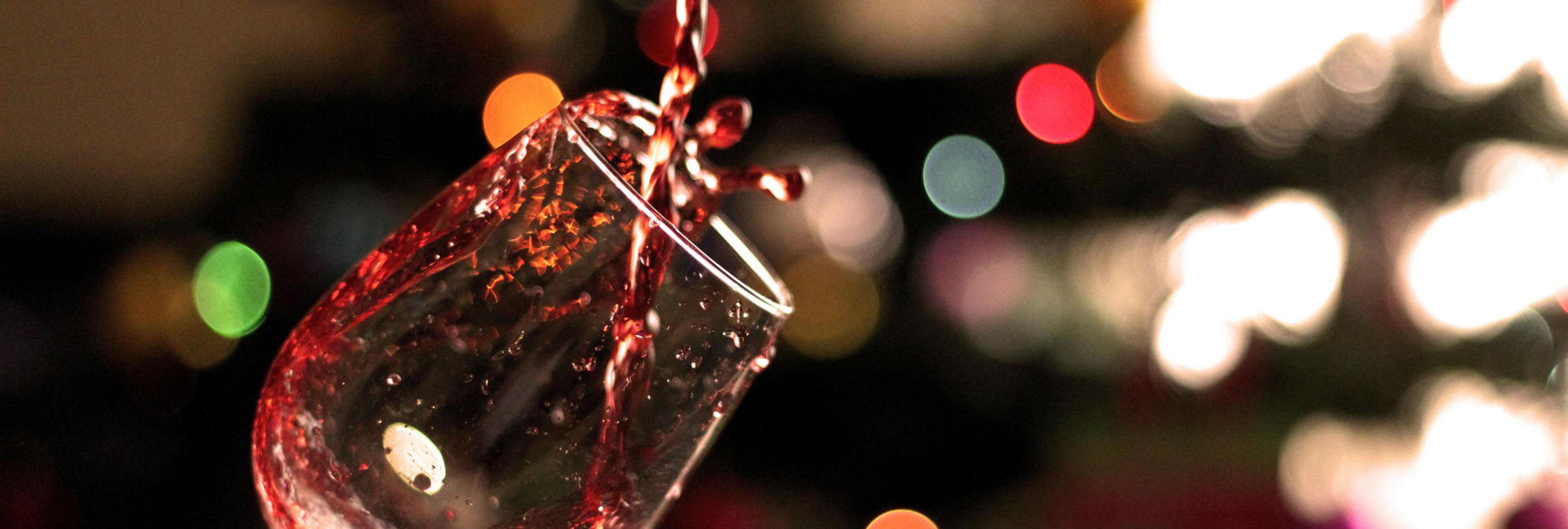 ¡El drinking game de la cena de Nochebuena!