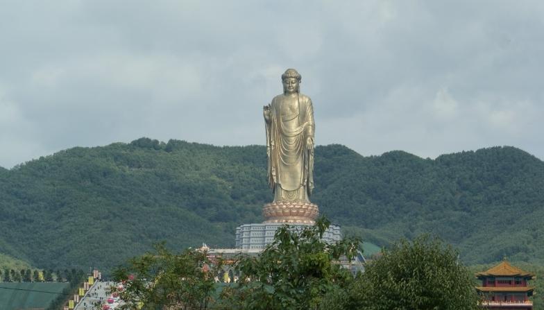 Buda del templo de Primavera