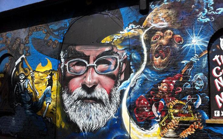 Arte en memoria de Pratchett (Brick Lane)