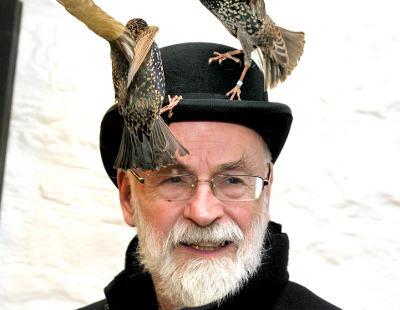 Terry Pratchett, homenajes tras la muerte del padre de Mundodisco