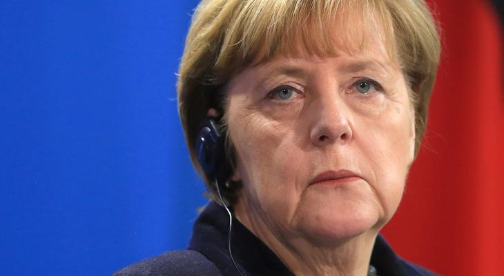 Angela Merkel ya amenazó con expulsar a inmigrantes