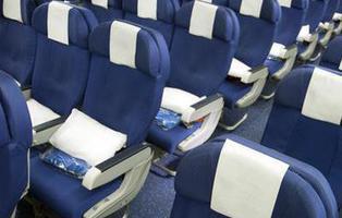 Un estudio comprueba que el tamaño de los asientos de los aviones es perjudicial para la salud