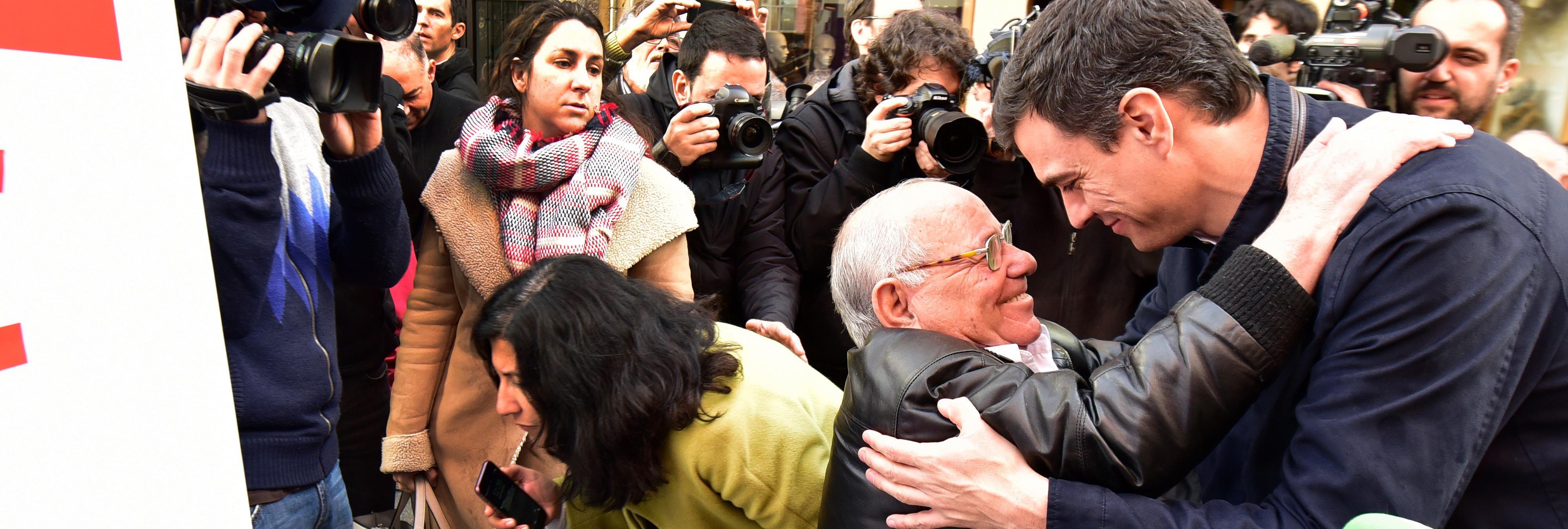 Un anciano de Pontevedra sufre un ataque de nervios tras conocer la candidatura de Pedro Sánchez