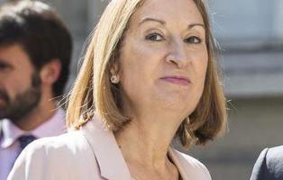 La ministra Ana Pastor: 'Es incompatible estar en política y ser honrado'