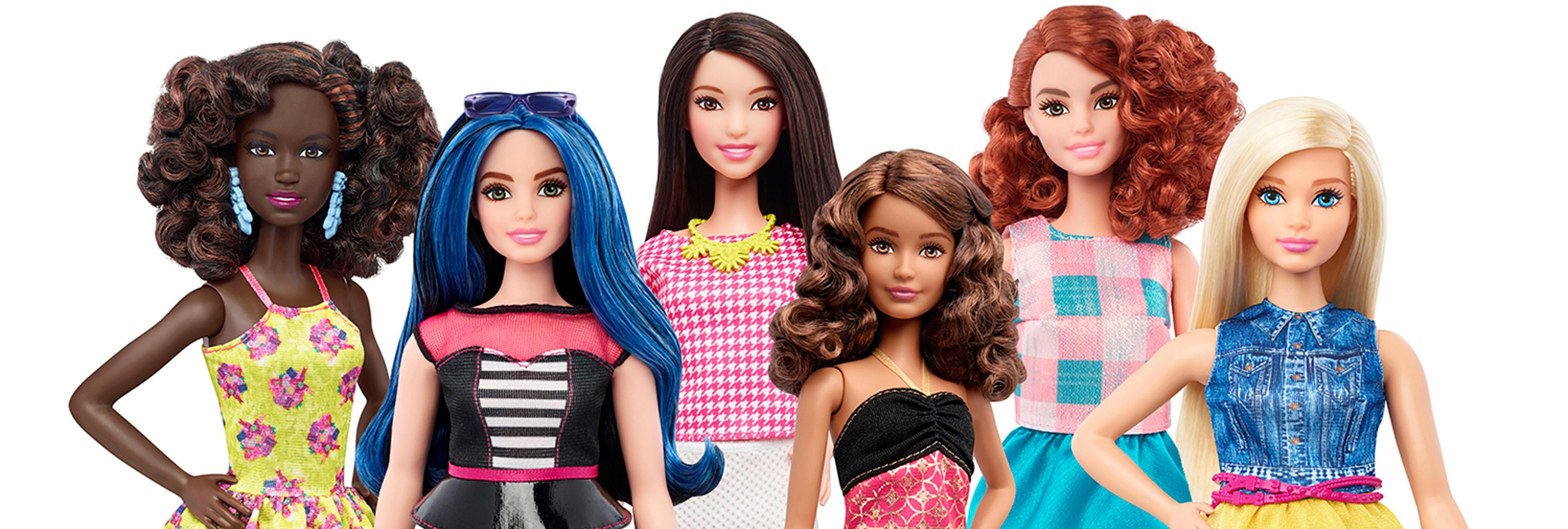 Llegan las nuevas Barbies: bajitas y con curvas