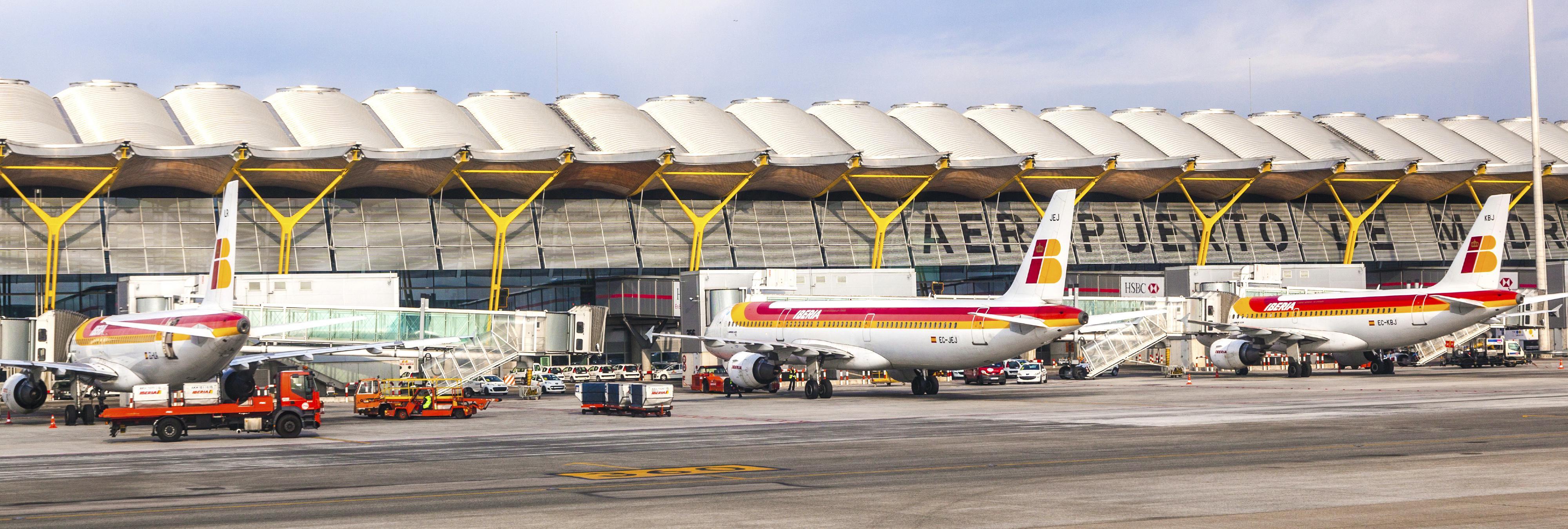 'Alarma general' en Barajas por amenaza de bomba en un vuelo a Arabia Saudí
