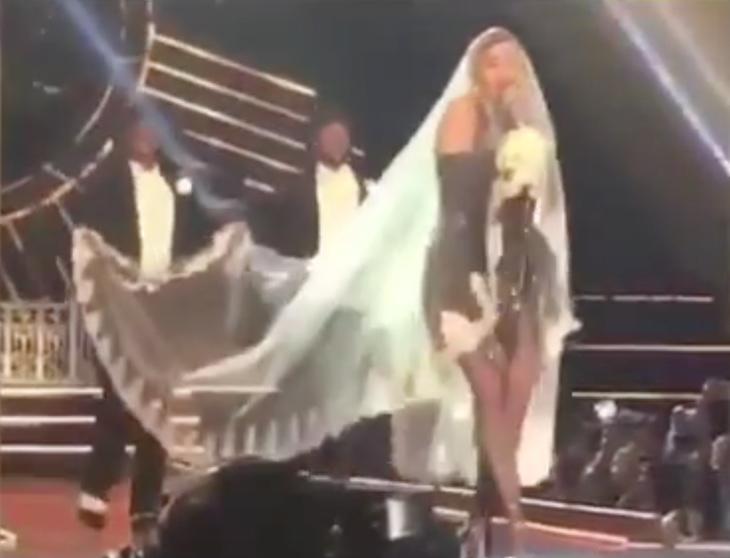 Madonna se puso otra capa en Bangkok