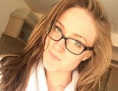 La mujer que lleva un año sin usar champú afirma que su pelo está más sano que nunca