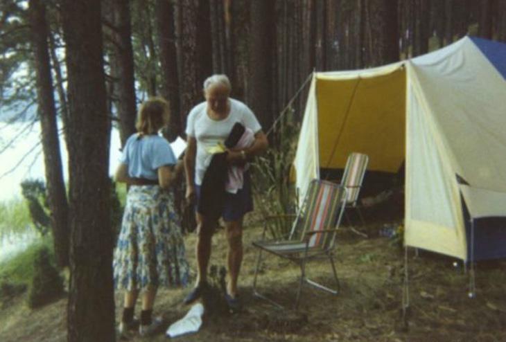 El Papa y Anna-Teresa durante una acampada (Foto: BBC)
