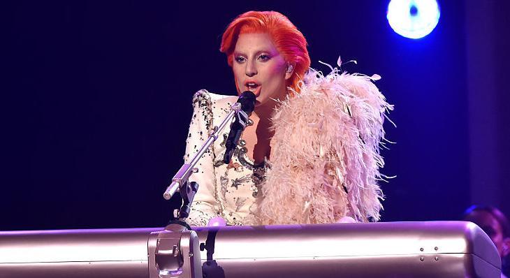 El piano robótico de Lady Gaga