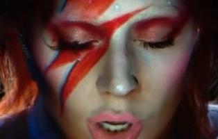 Todos los homenajes a David Bowie que escondía la actuación de Lady Gaga en los Grammy