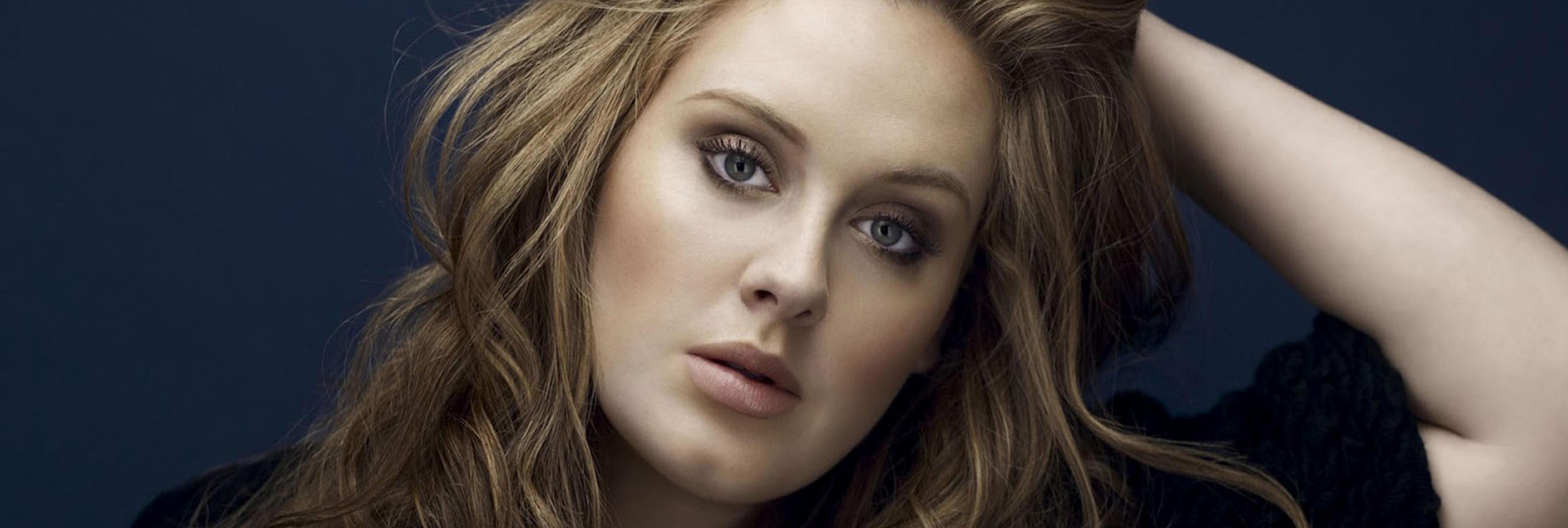 Adele viste a su hijo de princesa plantando cara a los tópicos de género