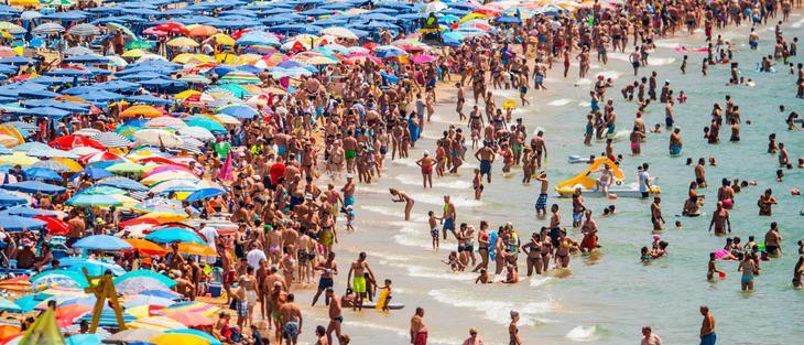 La playa de Benidorm, un paraíso para turistas