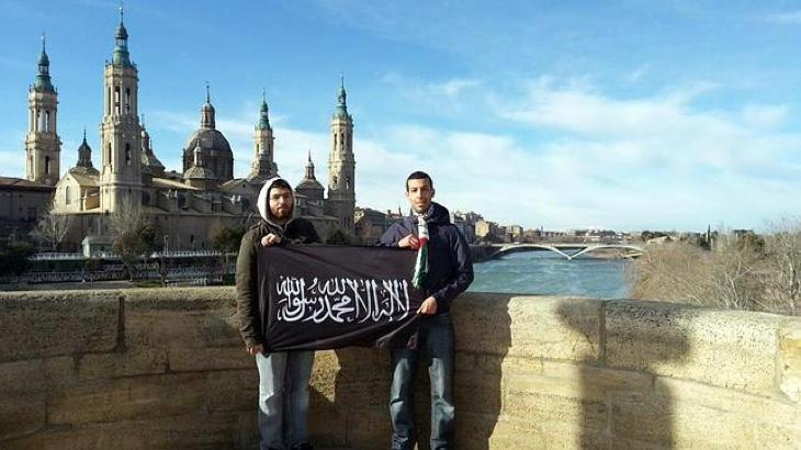 Afines con el yihadismo frente al Pilar de Zaragoza