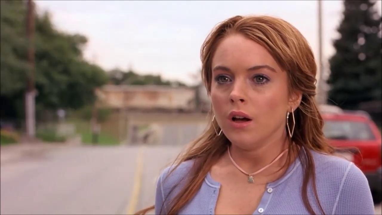 En la vida real, Aguirre no atropella a Regina, pero golpea un par de motos