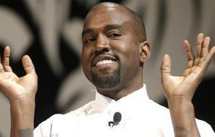 Kanye West la lía al mostrar públicamente que descarga de forma ilegal