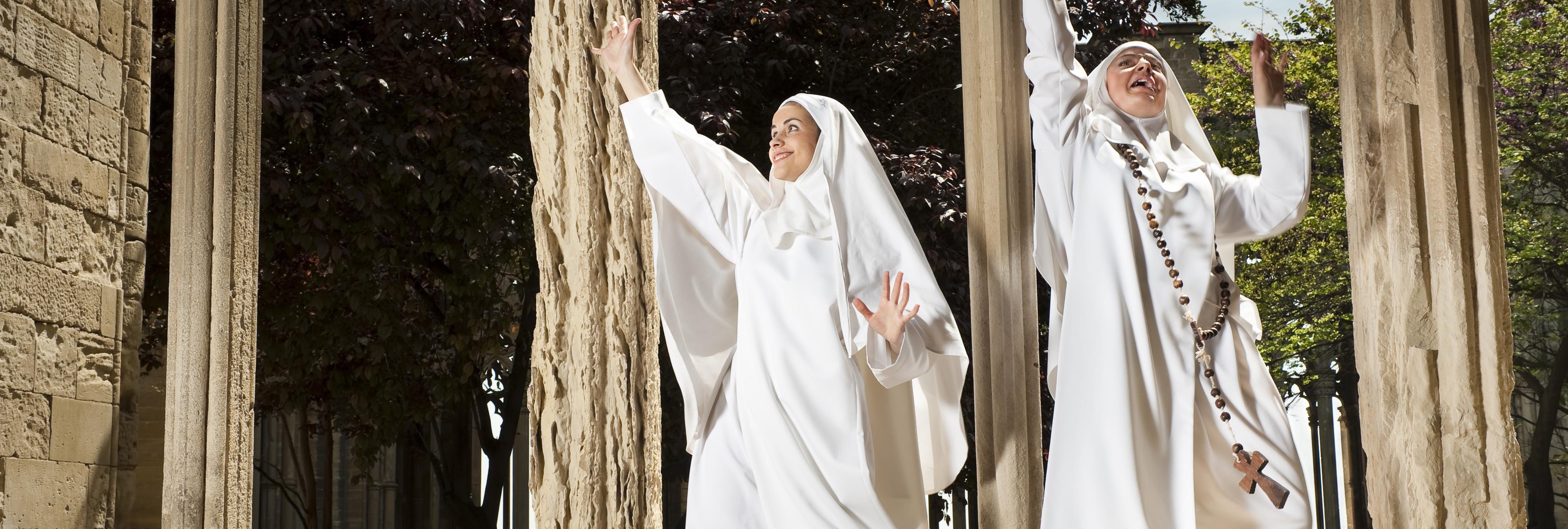 Las monjas salen del convento y se convierten en la última moda