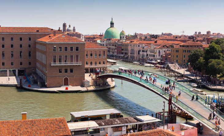 Puente de la Constitución de Venecia