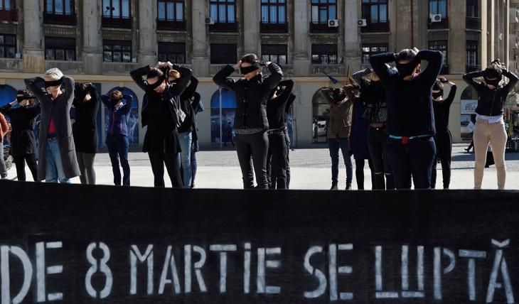 Cerca del 40% de los rumanos cree que en su país no se puede hablar de igualdad de género
