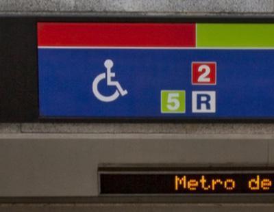 La confusa señalización de Metro de Madrid: usuarios se quejan de andenes 'accesibles' sin ascensor