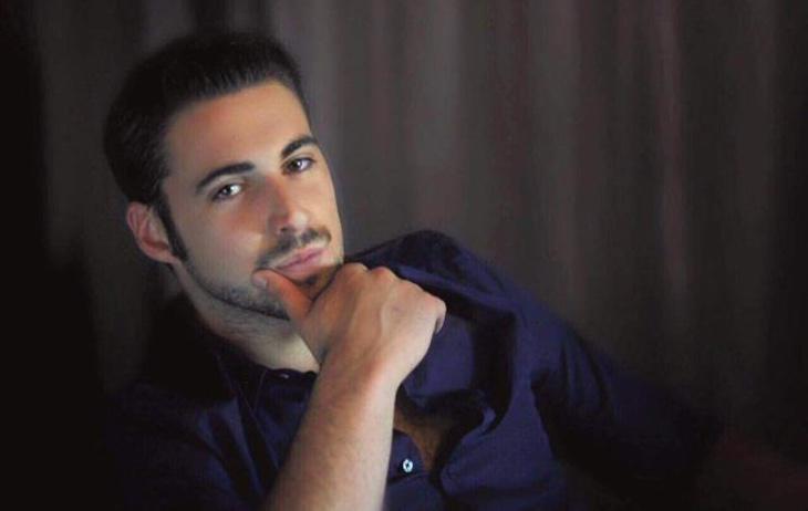 Álvaro Reyes, el youtuber que se forra enseñando a acosar a mujeres