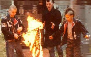 El punk ha muerto y el hijo de Malcolm McLaren va a quemar lo que queda