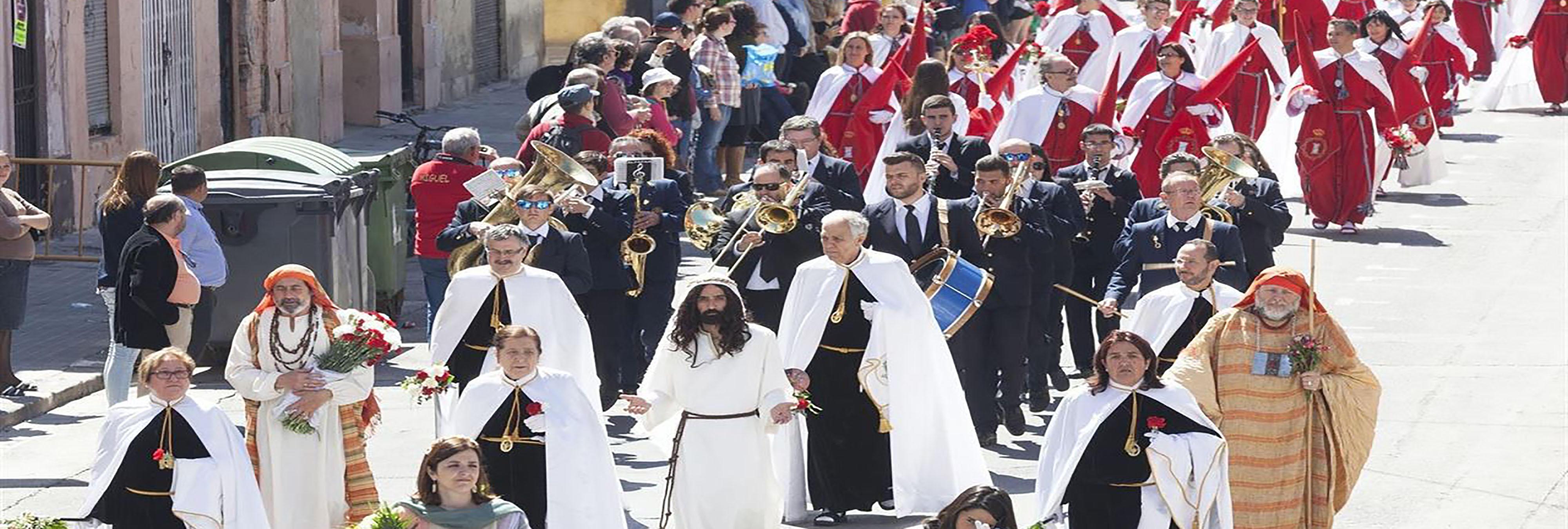 Prohíben a un Jesús Resucitado gay salir en una procesión por 'ostentoso'