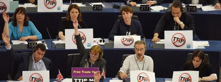 Eurodiputados votan 'no' al TTIP