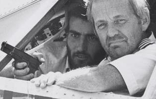 TWA 847: el secuestro de avión que duró 17 días y celebró el cumpleaños de Demis Roussos