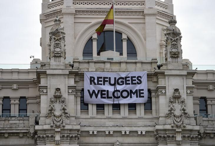 Madrid os da la bienvenida, Cospedal ya tal