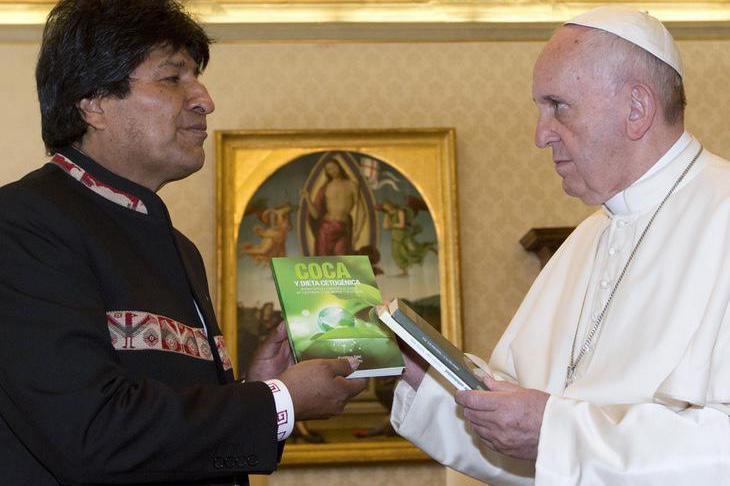 Evo Morales le recomienda al Papa Francisco que tome coca